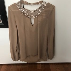 Tops - NWT blouse with pearl neckline
